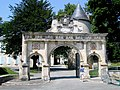 Charente-Maritime Surgeres Chateau Portique 18072005 - panoramio.jpg