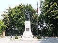 Cherasco-monumenti ai caduti.jpg