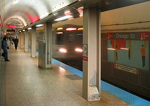 Chicago station (CTA Red Line) - Image: Chicago Red CTA 061028