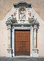 Chiesa di San Pietro e Paolo portale a Toscolano.jpg