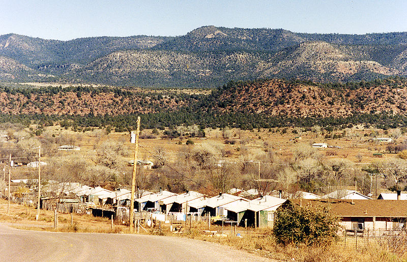 File:Cibuque Fort Apache reservation settlement, Arizona.jpg