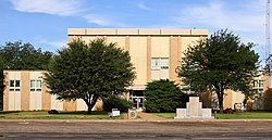 Cochran County Texas Courthouse 2019.jpg