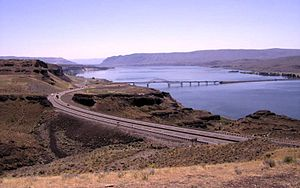 Wanapum Dam - Vantage Bridge crossing Wanapum Lake
