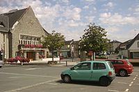La mairie, place Auguste-Grandin.