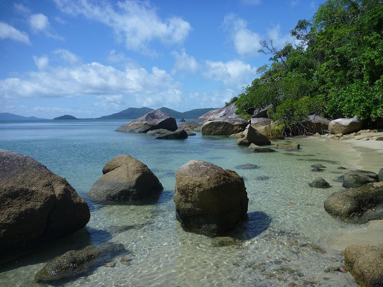 Bedarra Island: File:Coomool Bay, Bedarra Island.JPG