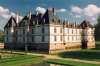 Bourgogne, nature et paysages dans Bourgogne 330px-Cormatin_Chateau_01