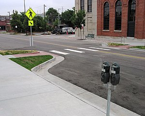 Fichier Curb Extensions At Midblock Crosswalk Jpg Wikip 233 Dia