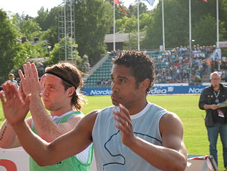 Daniel Nannskog - Nannskog and fellow striker Veigar Páll Gunnarsson applauding the fans after a match against Vålerenga in June 2006.