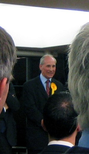 David Rendel - David Rendel at the Newbury declaration for the 2005 election