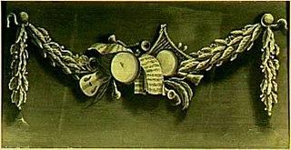 Decoratiestuk met een guirlande van muziekinstrumenten en bladmuziek