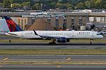 Delta Air Lines, N723TW, Boeing 757-231 (20173810702).jpg