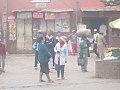 Des Femmes qui attendaient des bus.jpg