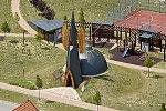 Devecseri Újjászületés Ökumenikus kápolna az új lakópark közepén.jpg