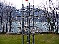 Die Schweizer Schokoladenindustrie stiftete das riesige Glockenspiel mit seinen schwingenden Klöppeln, www.tell.ch-schweiz-tellsplatte.htm - panoramio.jpg