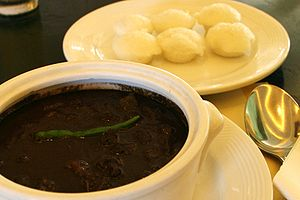 Puto - The Filipino dish Dinuguan is traditionally served with puto