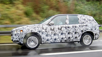 Development mule - A camouflaged pre-production BMW X5 mule near Munich in October 2013