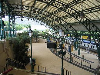 Disneyland Resort station - Image: Disneyland Resort Station (22)