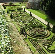 Douves jardins Angers.JPG