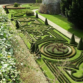 Gardens in the castle moat. Douves jardins Angers.JPG