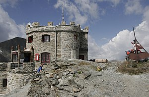 Piz da las Trais Linguas - Garibaldi Hut on the summit