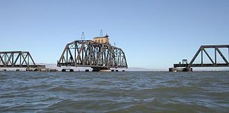 Dumbarton Bridge (California) - Dumbarton Rail Bridge 2007 (seen from a kayak)