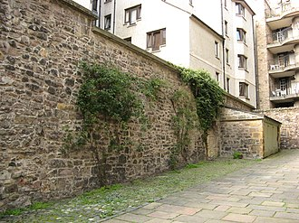 Edinburgh town walls - Walling in Tweeddale Court, thought to be the King's Wall