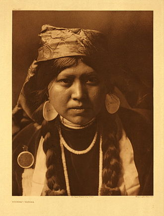 Indigenous peoples of the Northwest Plateau - Yakama woman, photographed by Edward Curtis