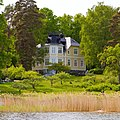Elegant villa on Skarpö - panoramio.jpg