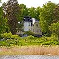 Elegant villa on Skarpö - panoramio.jpg