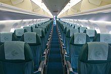 L'interno di un Embraer 195 di Air Dolomiti