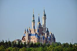 Het Enchanted Storybook Castle in het Shanghai Disneyland-park