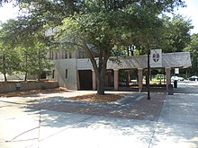 Episcopal School of Jacksonville main building.JPG