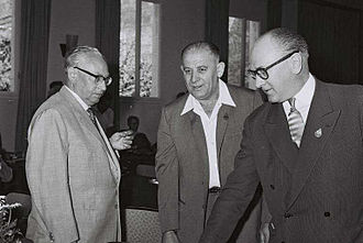 Guy Mollet - Guy Mollet at a Socialist International meeting in Haifa in 1960, with Erich Ollenhauer (left)