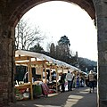 Farmers' market on Monnow Bridge - geograph.org.uk - 670782.jpg