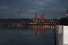 Flame towers from Baku boulevard.JPG