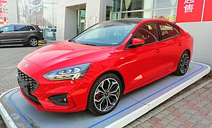 Ford Focus IV sedan ST Line 01 China 2019-03-25.jpg