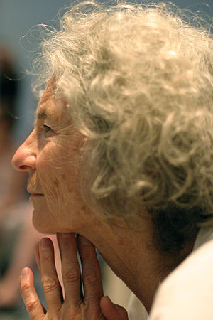 Simone Forti - Simone Forti watches a performance of her Dance Constructions at the Geffen Contemporary in 2004