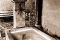 Fountain in Gruyère (22282564299).jpg
