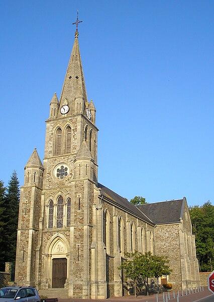 Canisy (Normandie, France). L'église Saint-Pierre.