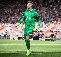 Fraser Forster vs West Ham 2017 cropped.jpg
