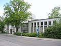 Freising, Josef-Hofmiller-Gymnasium, Altbau und Eingang.JPG