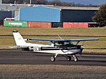 G-BIMT Cessna 152 (32854329382).jpg