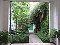 Garage y jardín - panoramio.jpg