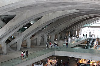 Gare do Oriente - The subterranean lattice of reinforced concrete supporting the main floors