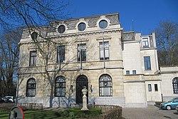 Gemeentehuis Boechout.JPG
