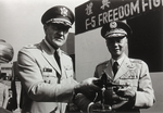 General Johnson handing a F5A aircraft model to General Xu Huan-sheng 江森將軍將F5A戰鬥機模型移交給徐煥昇上將.png