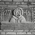 """Gevelsteen uit 1745 met opschrift- """"IN DEN GAAPER"""" - Rothem - 20389268 - RCE.jpg"""
