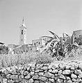 Gezicht op het het dorp Ein Karem met de toren van de kerk O.L. Vrouw Visitatie., Bestanddeelnr 255-2795.jpg