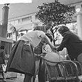 Gildefeest in de Rivierahal van Diergaarde Blijdorp te Rotterdam Ballon worden , Bestanddeelnr 912-6075.jpg