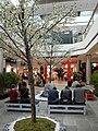 Glattzentrum - Innenansicht - Hanami 2012-03-26 17-00-01 (P7000).jpg